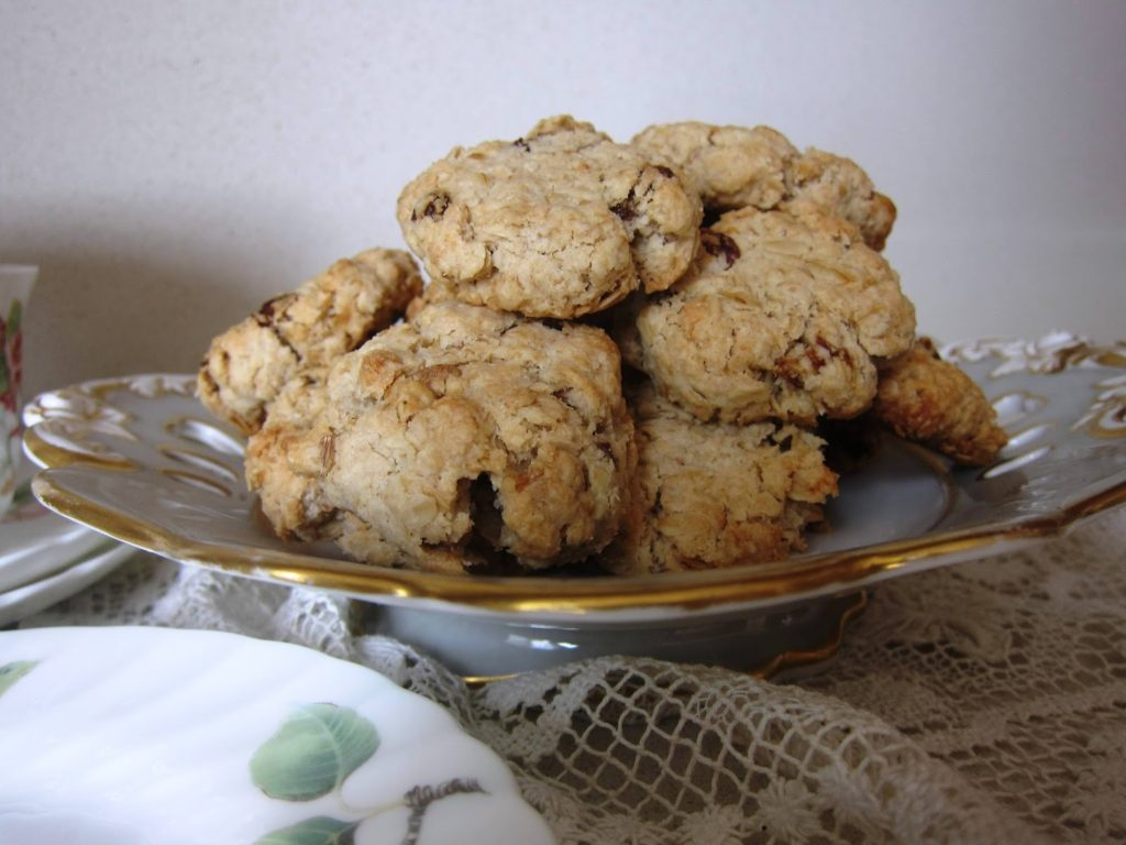 walnut & raisin oatmeal cookies