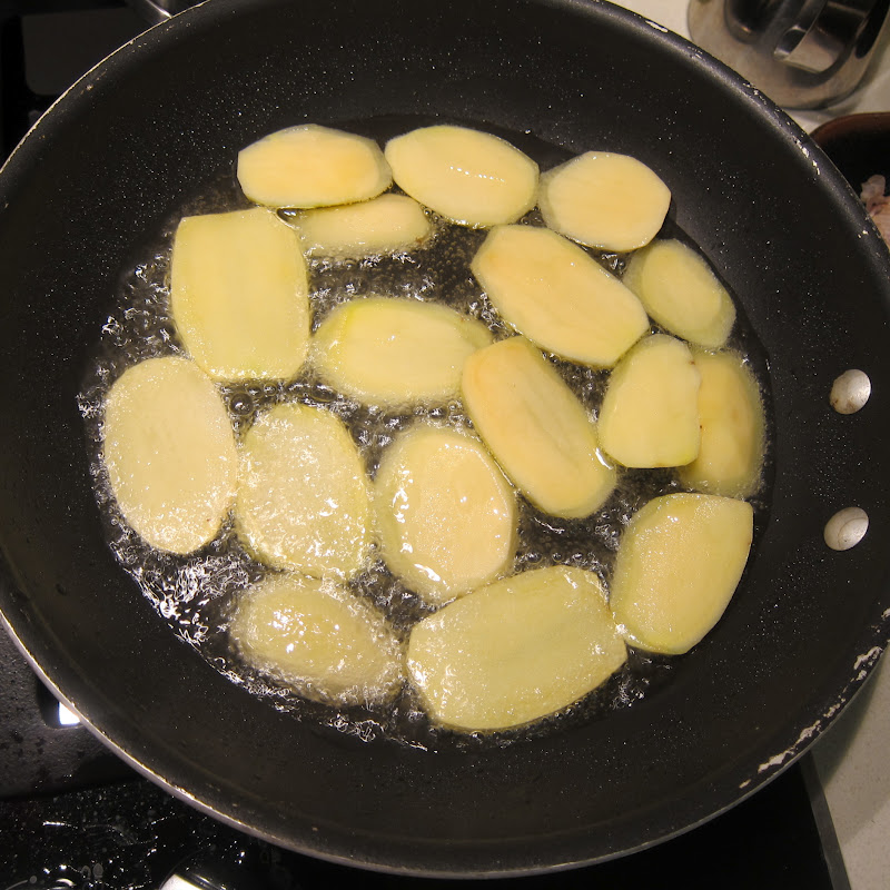 Frying Potatos