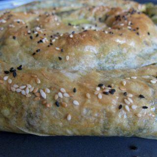 İspanaklı Peynirli Böreği – Spinach and Cheese Pastry Roll