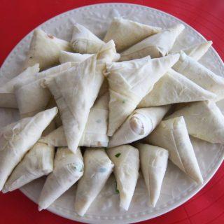 Pastırmalı Muska Böreği/ Crispy Triangular Packages of Pastrami and Melted Cheese