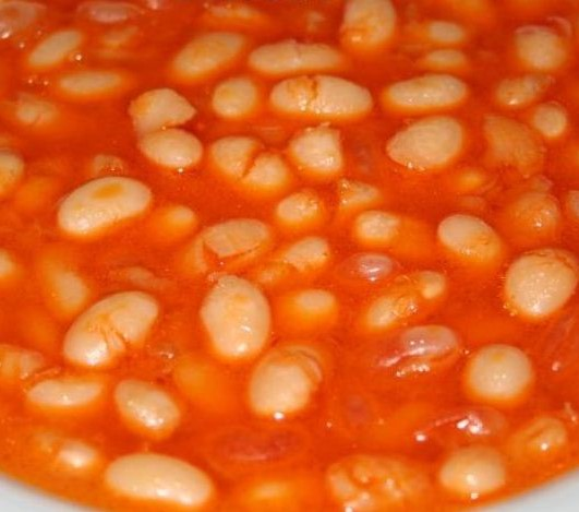 dried beans in tomato