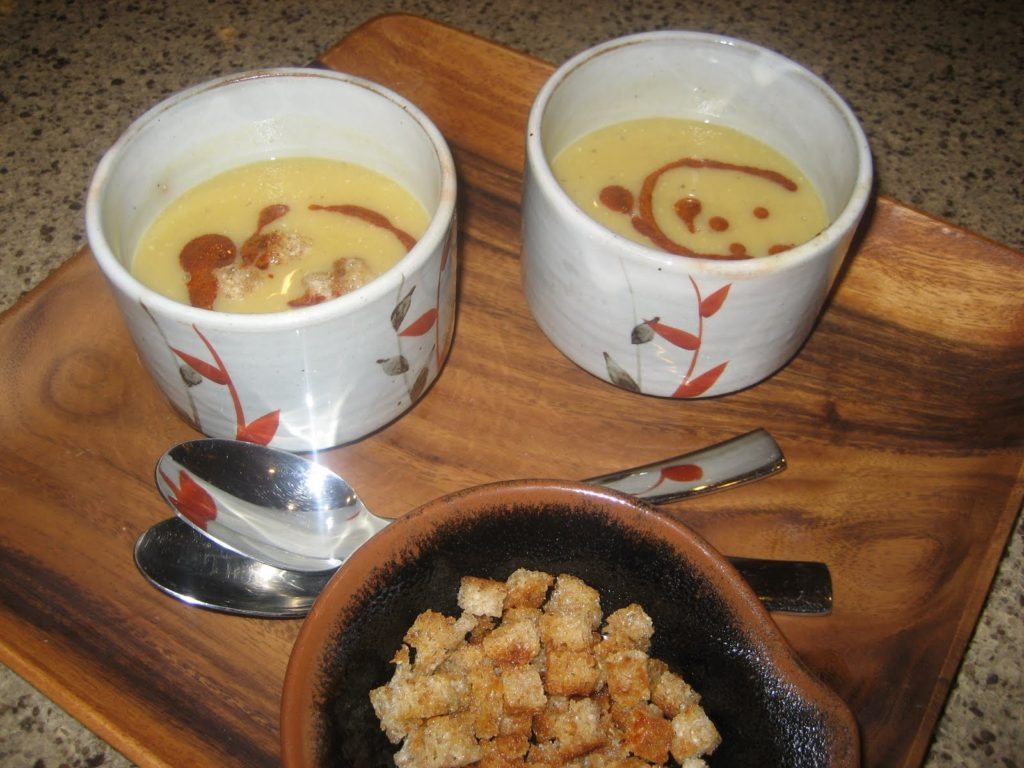 Lentil soup with croutons
